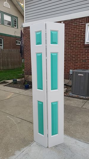 Bifold door for Sale in Akron, OH
