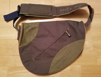 Life Is Good Sling Messenger Bag for Sale in Austin,  TX