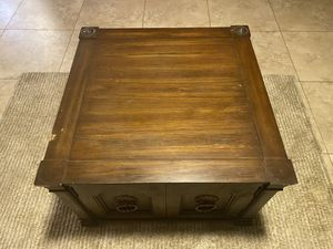 Antique Square Wooden Coffee Table W/ Storage Inside Good Condition for Sale in Chandler, AZ