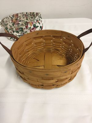 Longaberger basket with liner for Sale in Sterling Heights, MI