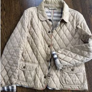 Ladies authentic BURBERRY Quilted Jacket Medium for Sale in Buffalo Grove, IL