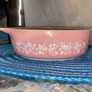 Pyrex Pink Gooseberry 471-3 Pink $150 for Sale in Tampa, FL