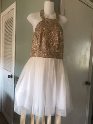 🌲🦃PRICE REDUCE $40 FIRM//XMAS 🎁Sz 9/10 GORGEOUS GOLD/WHITE DRESS for Sale in Fontana, CA