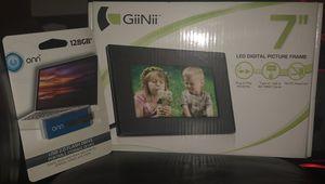 "GiiNii 7"" LED Digital Picture Frame for Sale in Charlottesville, VA"