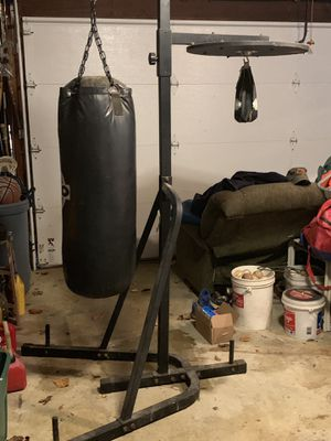TKO Heavy Bag Stand w/Speed Bag Platform for Sale in Arnold, MD