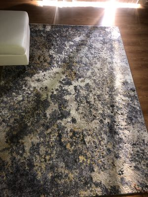 Abstract silver and gold area rug 5x7 new for Sale in Minot, ND