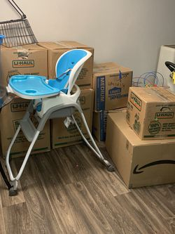 Tons Of Free Medium & Large Boxes for Sale in Portland,  OR