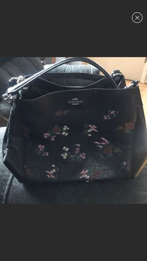 Coach Lexi Floral cross body purse for Sale in Chicago, IL
