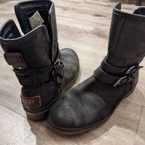 UGG Boots 7 Women's Zip Up Leather $15 for Sale in Seattle, WA