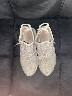 Yeezy 350v1 moonrock size 9 for Sale in Madison, WI