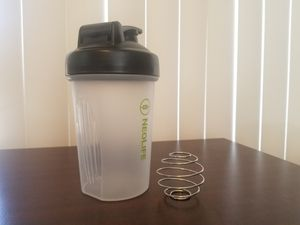 Shake bottle with blender ball green or black for Sale in Chula Vista, CA