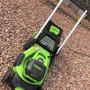 Greenworks Pro 60-Volt Max Brushless Lithium Ion Self-Propelled 21-in Cordless Electric Lawn Mower for Sale in Las Vegas, NV