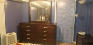 Wood Dresser with Mirror for Sale in Woodbridge Township, NJ