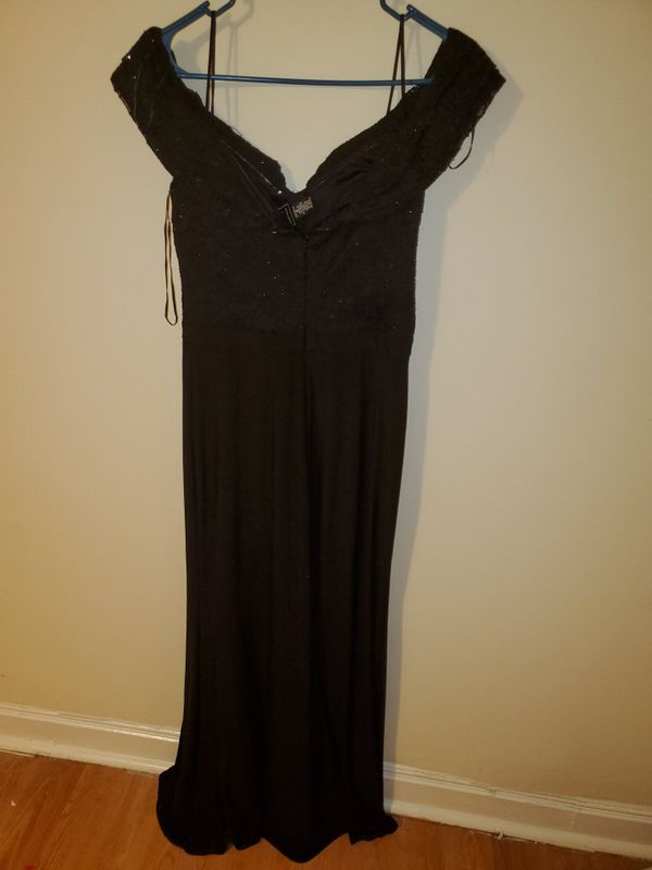 BEAUTIFUL BLACK DRESS WITH LEG CUT SIZE 8