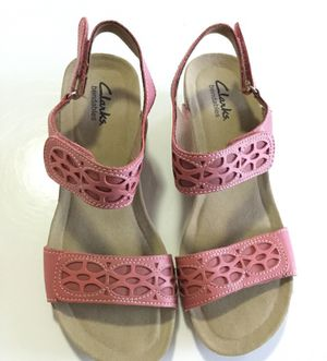 Clarck bendables size 7, are new with out tags has a small 2in heel for Sale in Austin, TX