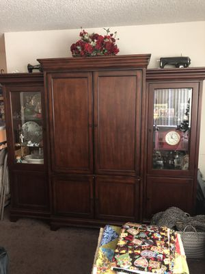 Three piece Wall Unit for Sale in La Habra Heights, CA