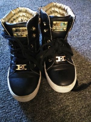 MK high tops size for Sale in Braintree, MA