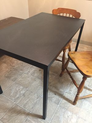 Small kitchen table and chairs for Sale in Clackamas, OR