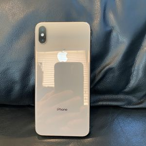 iPhone XS Max Factory Unlocked Gold 64gb (MINT) for Sale in Irvine, CA
