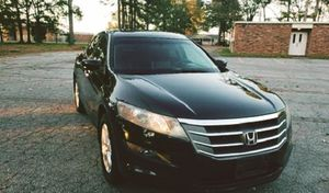 IPOD jack, and ICE COLD AIR. HONDA CROSSTOUR EX-L! for Sale in Macon, GA
