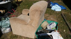 Lane lift recliner works great in real good shape for Sale in Columbus, OH