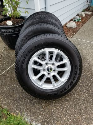 Jeep wheels and tires for Sale in Snohomish, WA