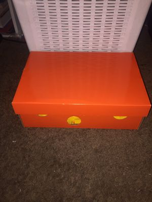 Off-white kigers for Sale in San Diego, CA