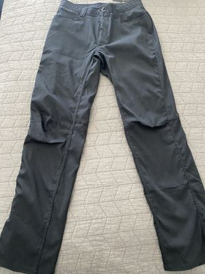 2 pair brand new under armor pants. 30x32, 100$for both pair. for Sale in New Braunfels, TX