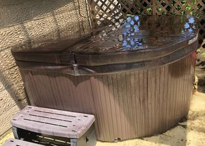 Hot tub for Sale in Mount Pleasant, PA