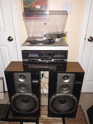 Vintage Stereo W/Turntable & Cassette for Sale in Virginia Beach, VA