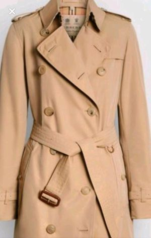 Burberry Kensington Heritage Trench Coat- New Worn for Sale in Evergreen, CO