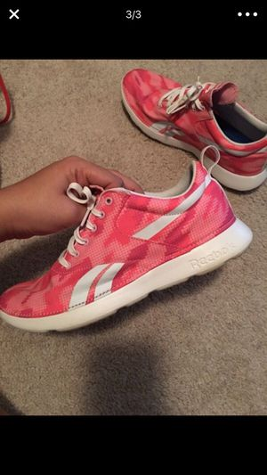 tennis shoes reebok for Sale in Annandale, VA