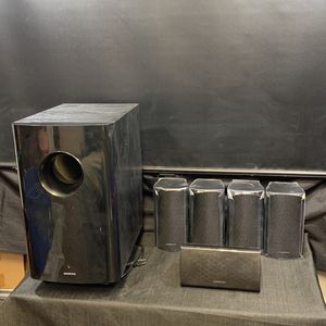 Onkyo Surround Sound System Subwoofer Center And 4 Surround Speakers for Sale in Dahlonega, GA