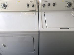 Whirlpool washer and gas dryer set for Sale in San Diego, CA