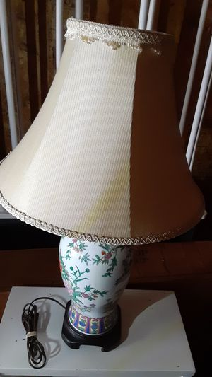 Beautiful vase lamp for Sale in Hilliard, OH