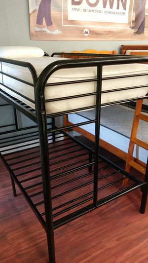 New Twin/Twin Metal Frame Bunk Bed for Sale in Cleveland, OH