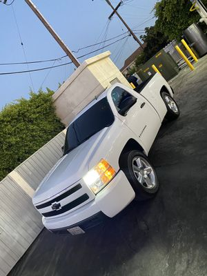 Silverado 2007 single cab for Sale in Huntington Park, CA