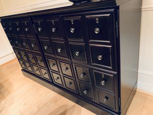 High-quality buffet/ console table for Sale in Issaquah, WA