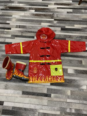 Fireman raincoat size 4T and rain boots size 9. Like new ! for Sale in Escondido, CA