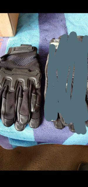 riding gloves rocket new for Sale in Shawnee, KS