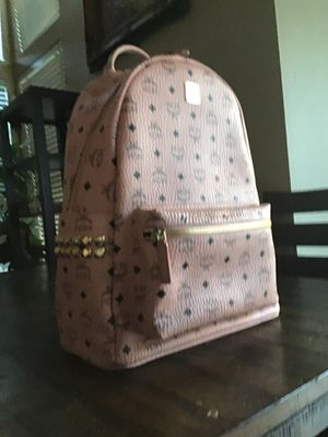 MCM Leather designer %100 authentic Soft pink backpack 16Hx13Wx5D new excellent condition never used for Sale in Las Vegas, NV
