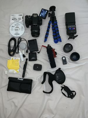 Canon Rebel t6i with bundle for Sale in Magalia, CA