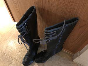 Women's rain boots size 5 1/2 for Sale in Poinciana, FL