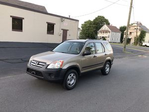 2005 HONDA CRV FULLY LOADED RUNS PERFECT for Sale in New Britain, CT