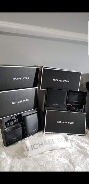 NUEVOS SET DE WALLET PARA HOMBRES MK 💯% ORIGINAL PRECIO FIRME for Sale in Houston, TX
