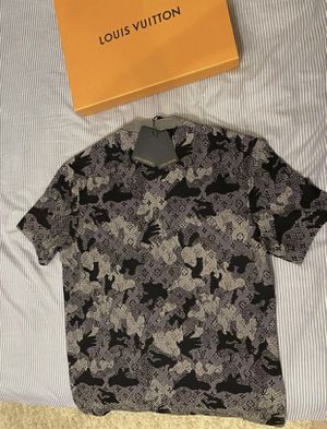Louis Vuitton camo Lacquard t Shirt sz L for Sale in Dallas, TX