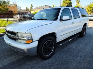 2003 Chevy suburban for Sale in Los Angeles, CA