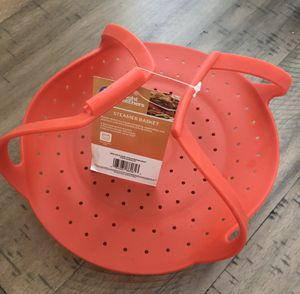 Weight watchers Red silicone steamer basket for Sale in Baldwin Park, CA