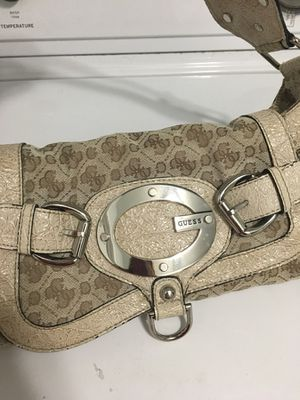 Guess shoulder purse for Sale in Rockville, MD