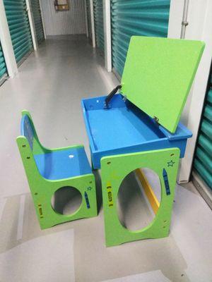 Kids desk for Sale in Kenneth City, FL